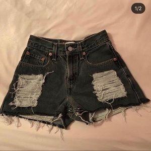 Levi's shorts size 00